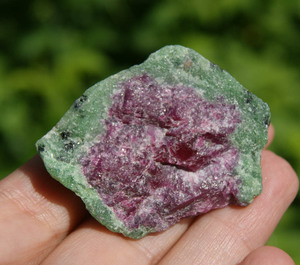 Корунд это натуральный камень