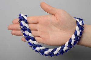 vidy_pleteniya_brasletov Как плести браслеты из ниток мулине? Схемы и уроки плетения