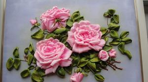 kartiny_lentami Вышивка роз лентами для начинающих рукодельниц: учимся вышивать лентами по видео мастер-классам
