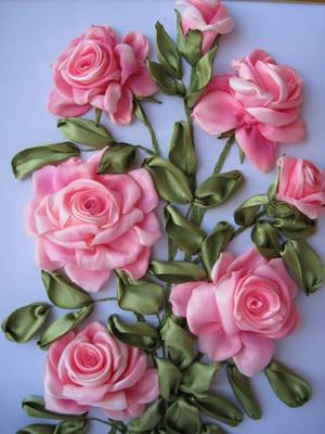 vybrat_lenty_vyshivki Вышивка роз лентами для начинающих рукодельниц: учимся вышивать лентами по видео мастер-классам