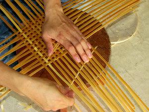 plesti_korzinu_lozy Особенности плетения корзин своими руками: заготовка лозы, инструменты и техники изготовления плетёных лукошек