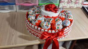 originalnyy_syurpriz_devushki Подарки из конфет к любому празднику. Идеи с подробными фото