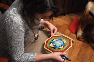 process_mandalopleteniya Плетение мандалы для начинающих: схемы, мастер класс. Видео