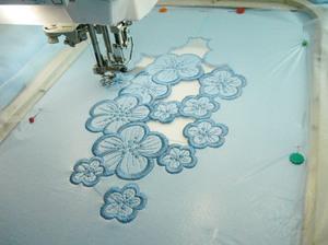 vyshivat_tkani Машинная вышивка в домашних условиях: швейное оборудование и виды швов, выбор ткани и инструментов