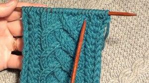 vyazanie_uzora_spicami Вязание спицами узоры схемы для начинающих 🥝 как вязать косички со схемами простые и красивые, объемная коса из 12 петель