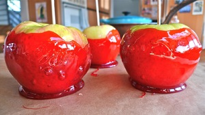 konfetnoe_derevo_svoimi Топиарий из конфет. Сладкий топиарий: дерево, яблоко, букет и часы из конфет