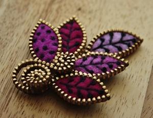 ukrasheniya_fetra_zastezhki-molnii Цветок из фетра для броши или заколки. Мастер-класс с пошаговыми фото