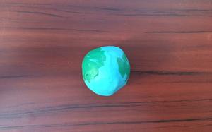 Создание простейшего варианта макета Земли из пластилина