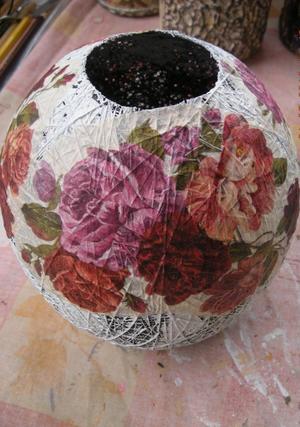 vaza_nitok_dekupazh Декупаж стеклянной вазы: мастер-класс и пошаговая инструкция, как за декорировать сосуд своими руками